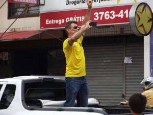 O lider empresarial lafaietense, José César, puxou os manifestantes/Foto:Correio de Minas