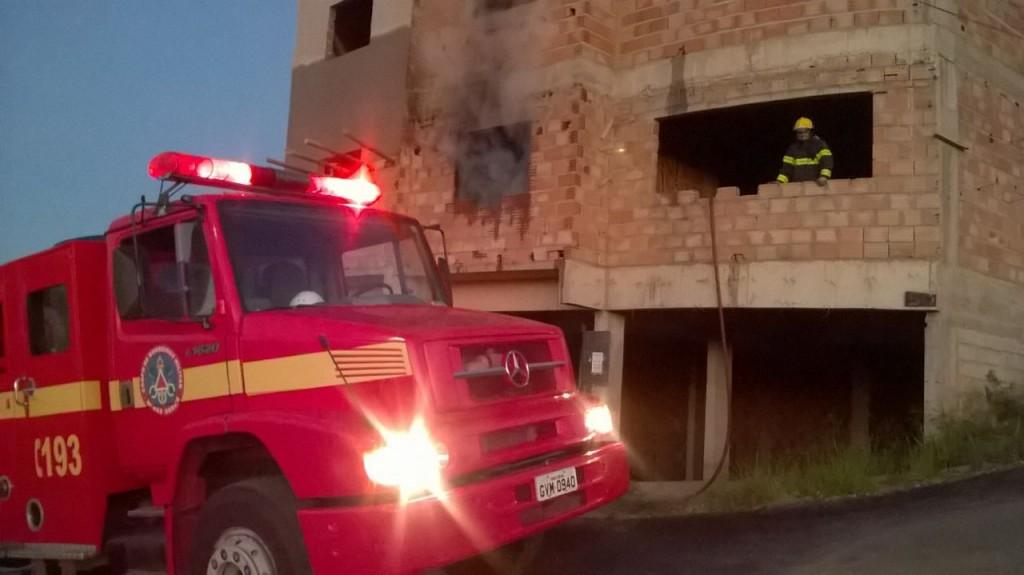 Bombeiros prestam atendimento/Foto:Divulgação