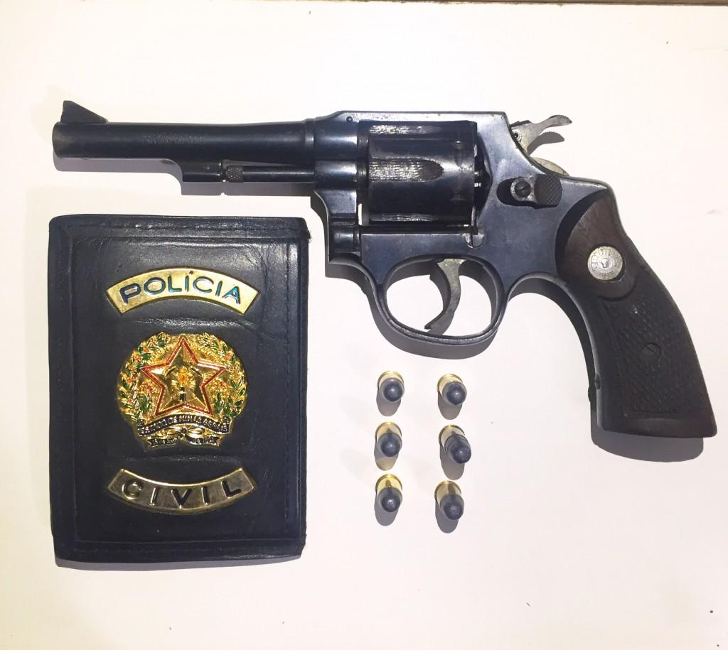 Arma encontrada com o autor de violência contra mulher que passou por desaparecida por temer novas investidas do namorado