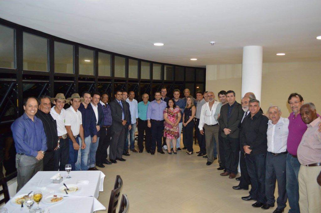 Encontro com o secretário de estado, Odair Cunha, promovido pelo deputado Glaycon Franco tentou viabilizar aproximação de grupos