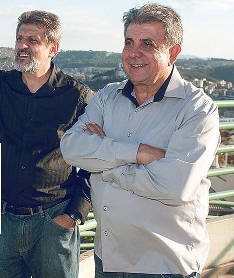 Dois médicos tentam chegar a prefeitura pela primeira vez/Foto:Divulgação