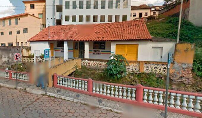 Sede do destacamento da PM, em Prados/Reprodução