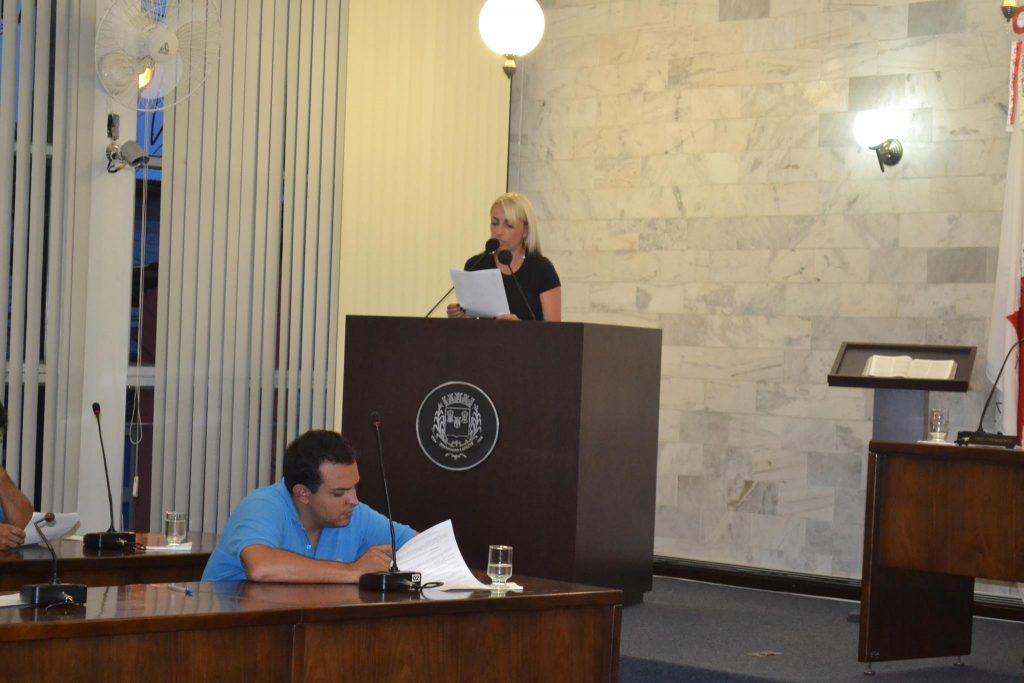 A vereadora Carla Sassi usou a tribuna para cobrar mais qualidade no transporte público/GIOVANI PABLO