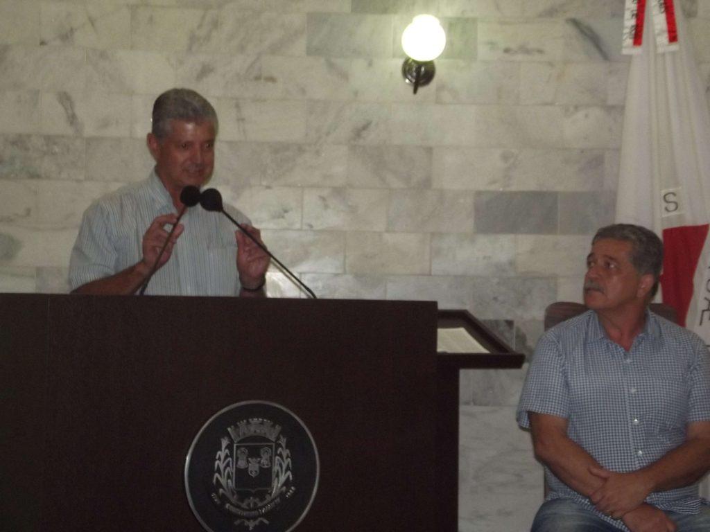 Prefeito e vice anunciaram que estarão hoje a tarde em reunião com a direção da Copasa