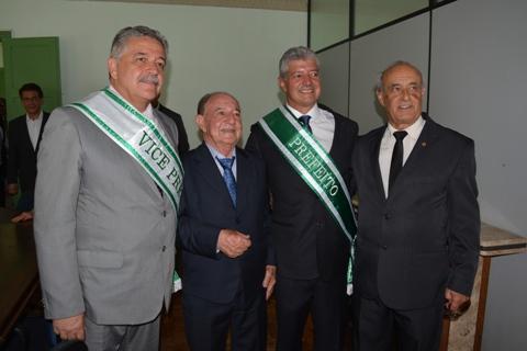Marco Antônio, o ex prefeito Abel Rezende, Mário Marcus e Vicente faria durante posse/ Lafaiete Agora