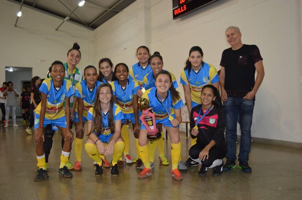 O Glicose sagrou-se tetra campeão da Copa Verão Feminina Sub-18 de Futsal/Divulgação