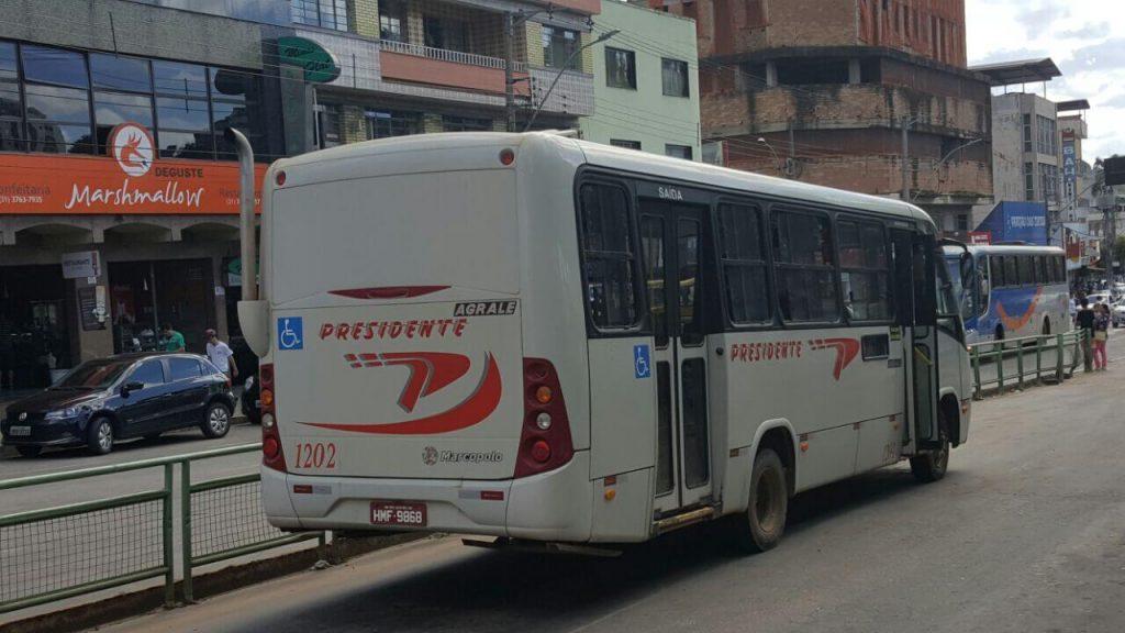 Coletivos com placas de Congonhas e São João Del Rei atendem o transporte público em Lafaiete/Divulgação