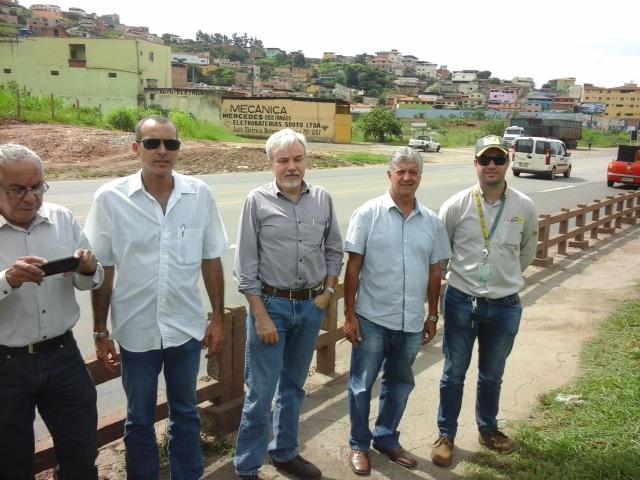 Equipe da Prefeitura e da via 040 visitam região da Barreira/Divulgação