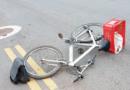 Idoso em bicicleta é atropelado por carro e levado ao hospital em estado grave
